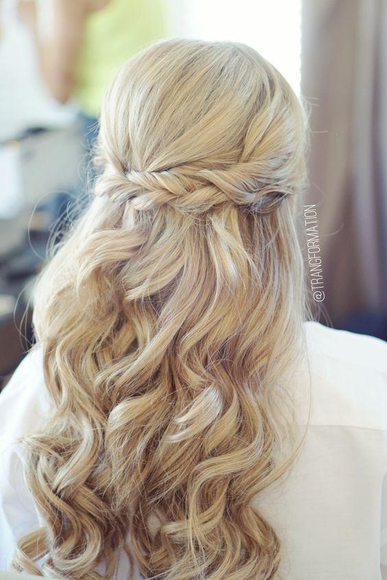 esküvői frizura hosszú hajból