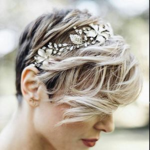 Esküvői frizura rövid hajból 6