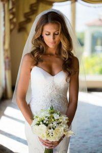 menyasszonyi frizura hosszú kiengedett hajból