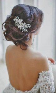 gyöngyös és köves esküvői hajdísz