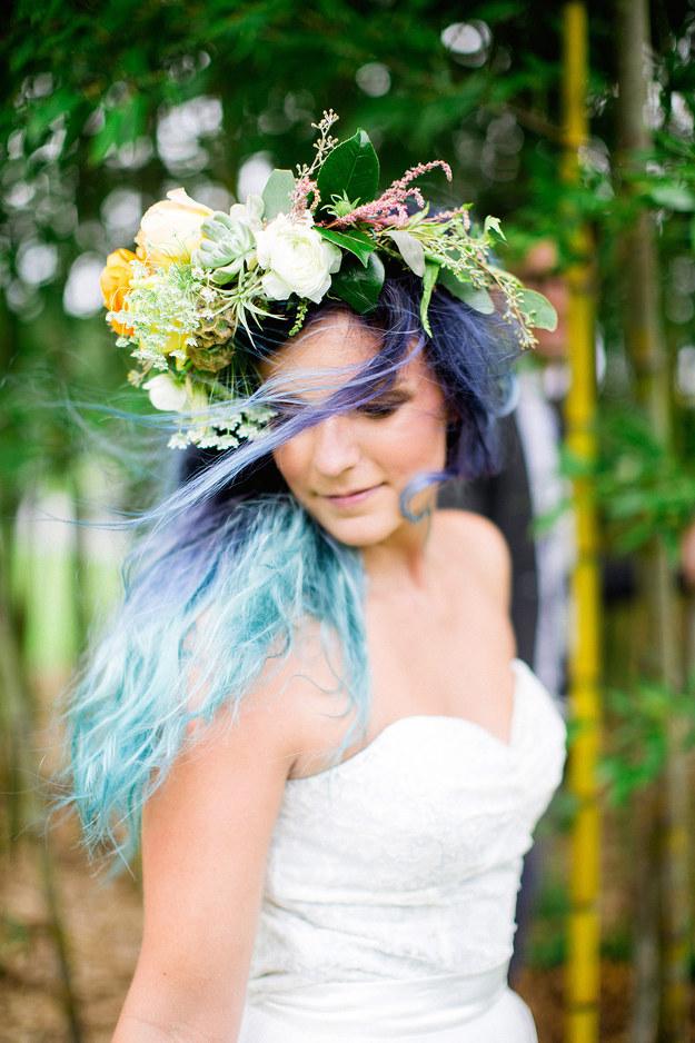 kék esküvői haj