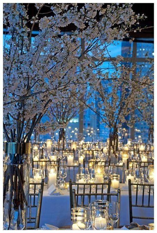 téli esküvői dekoráció fények és virágok