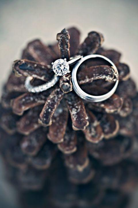 téli esküvői dekoráció gyűrűhöz