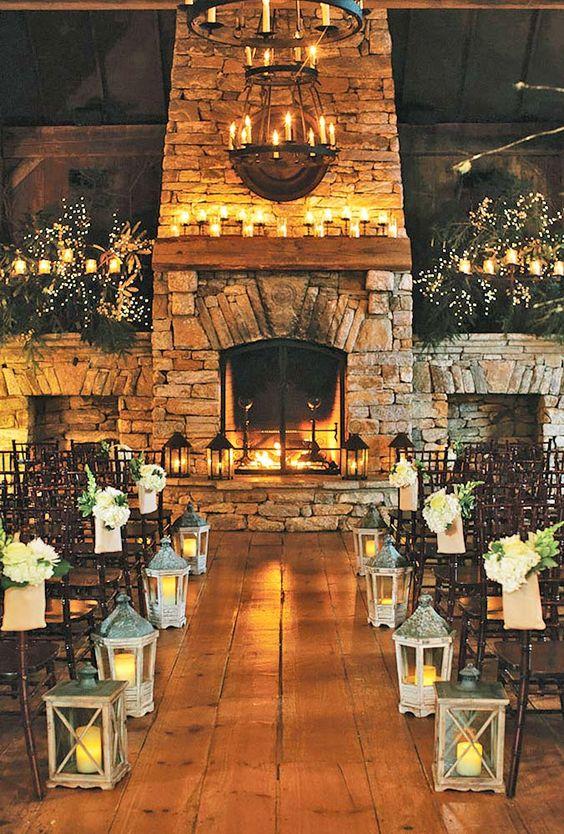 téli esküvői dekoráció kandallóval