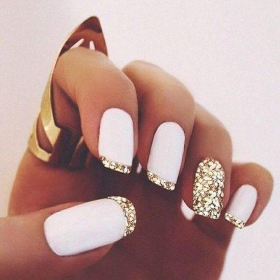 menyasszonyi köröm fehér és arany